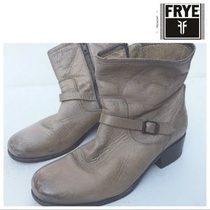FRYE light tan ankle Boots 9 leather western